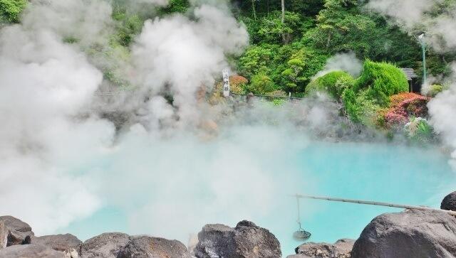 九州地方 大分県の観光地 別府温泉の海地獄イメージ画像