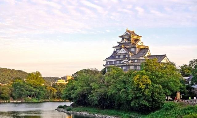 中国地方の観光スポット「岡山城」イメージ画像